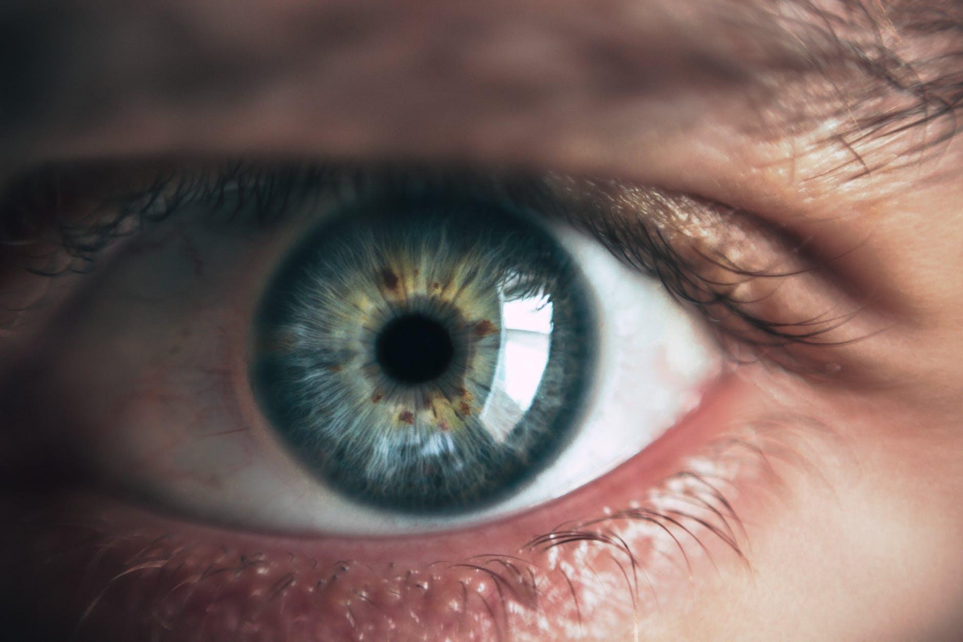 droge ogen en wazig zien